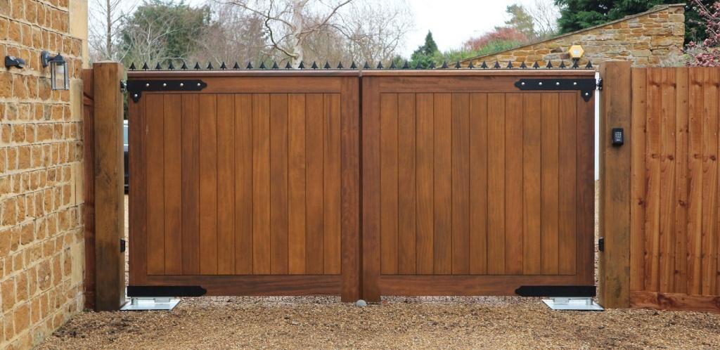 Деревянные ворота и калитки картинки фото